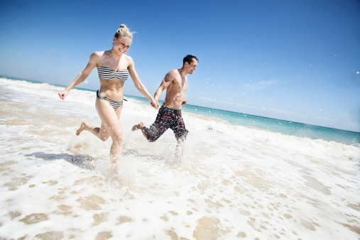correr en la playa!