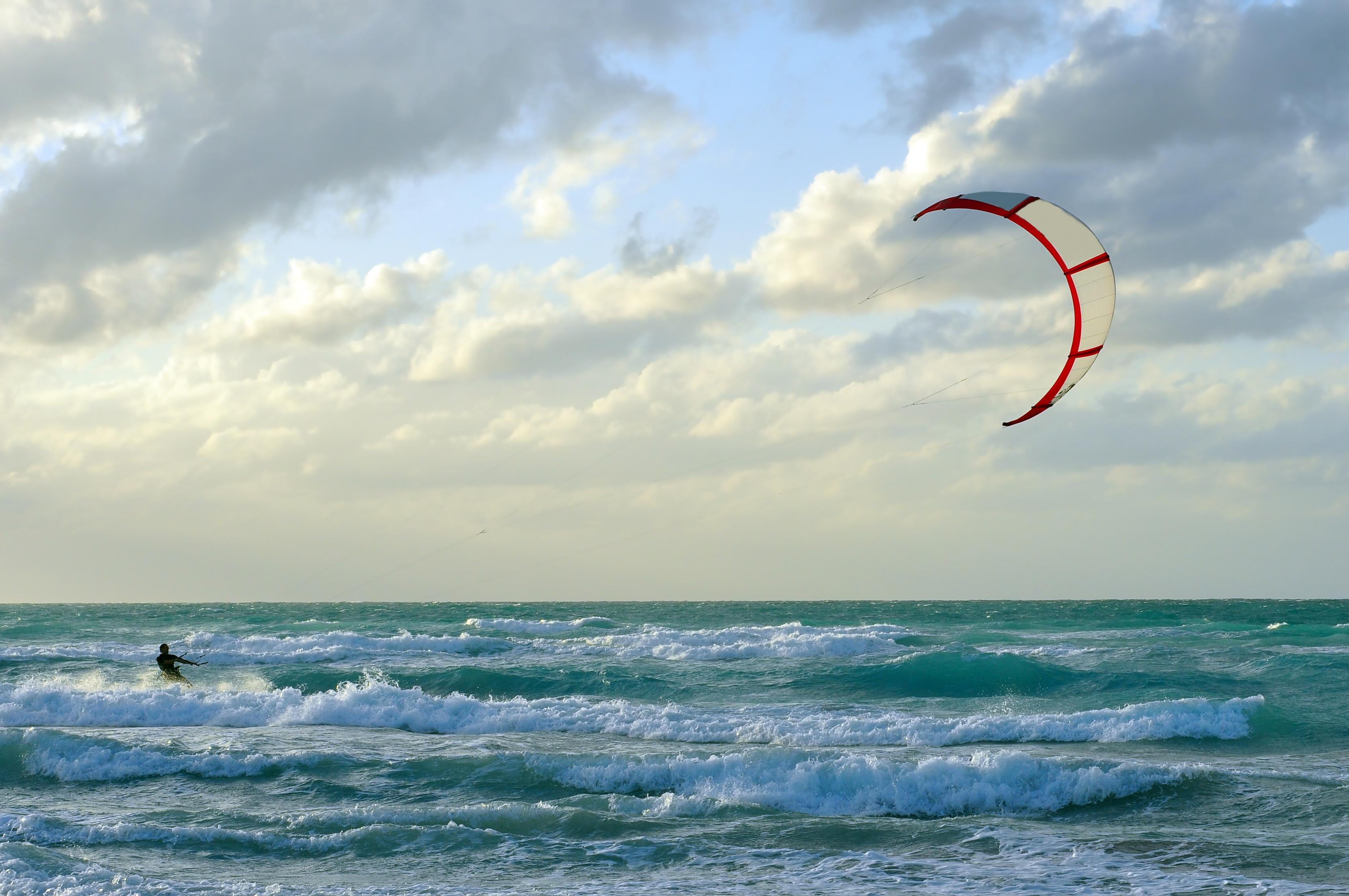 Mejores_Deportes_Para_Practicar_En_El_Mar_Playa