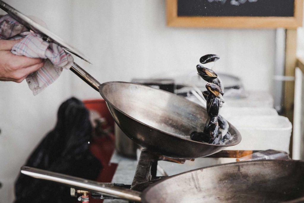 Apúntate a una escuela de cocina para sacar el cocinitas que llevas dentro